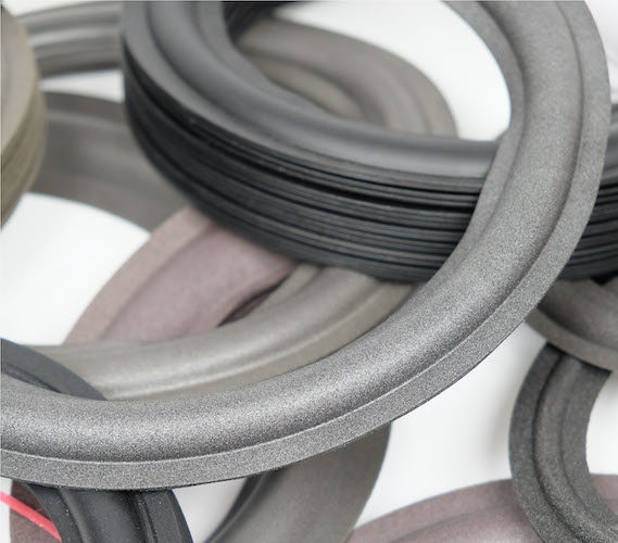 Foam and rubber rings for loudspeakers
